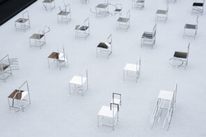 "Il video di ""50 Manga Chairs"" by Nendo"