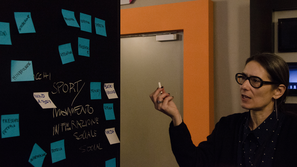 Pozia Bergamasco, co-curatrice del MDFF, in un momento del workshop ADAPT-r © Martina Elena Badalamenti